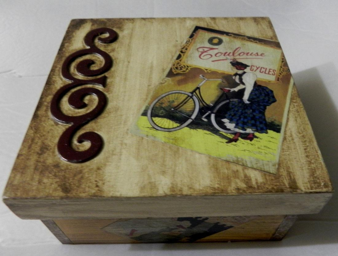 Uma ótima dica para o natal é fazer caixas de madeira envelhecidas  #858D3E 1100x835