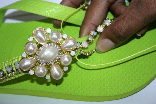 1355769050_chinelo-bijoux-passo6