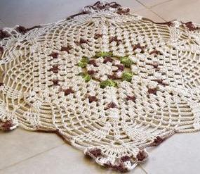 tapete-de-crochê-com-flores-285x247
