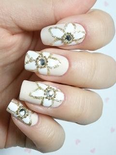 unha-flor-branca