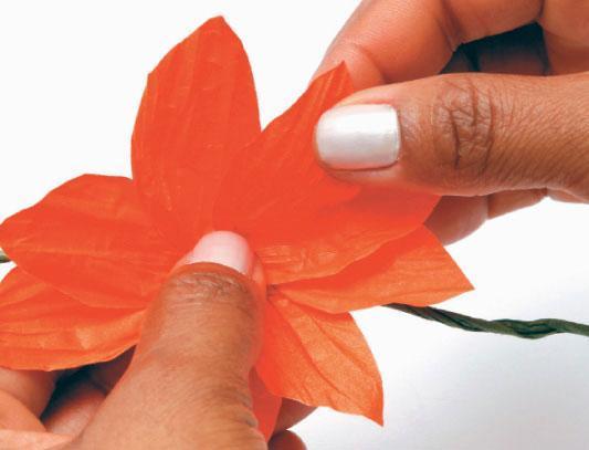 1331125490_flores-laranja_passo04_06-03-12