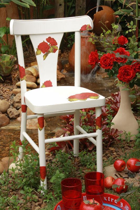 Cadeira decorada com decoupage arteblog for Sedie decorate a decoupage