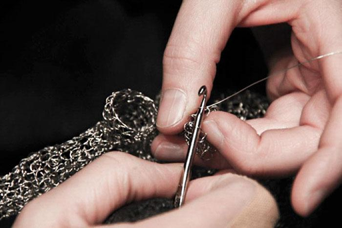 wire-crochet-heart-anne-mandro-4