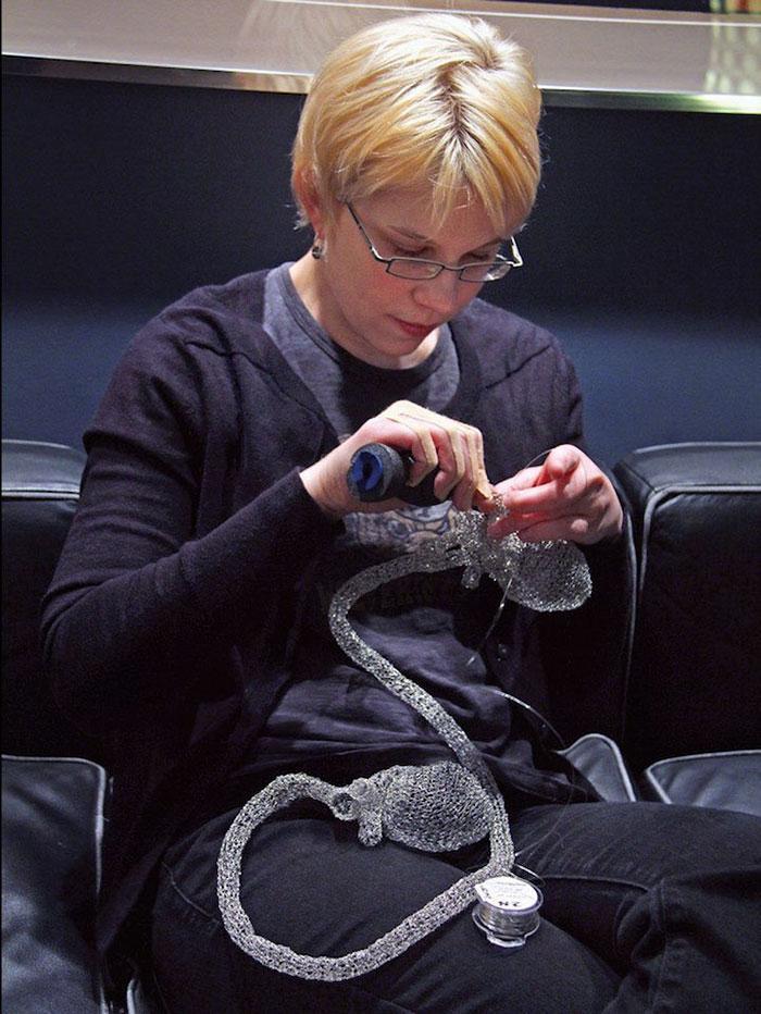 wire-crochet-heart-anne-mandro-7