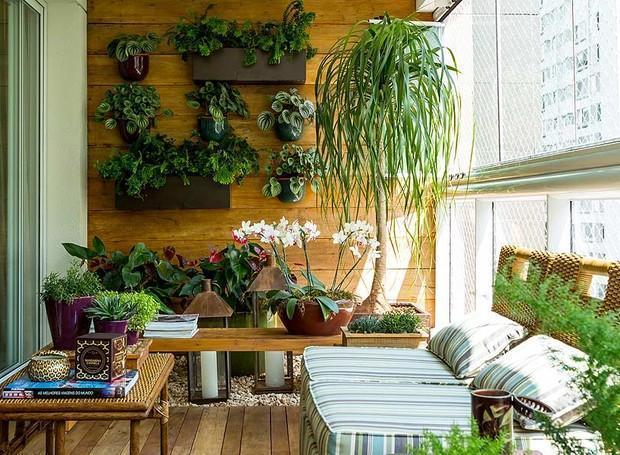 jardim-vertical-suspenso-paisagista-odilon-claro-anni-verdi-varanda-apartamento