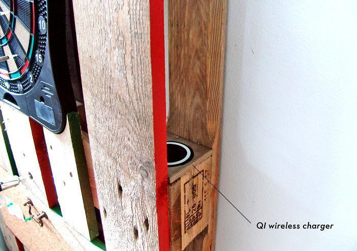 i-transformed-pallets-into-a-functional-wall-decoration-586e178546c0b__700