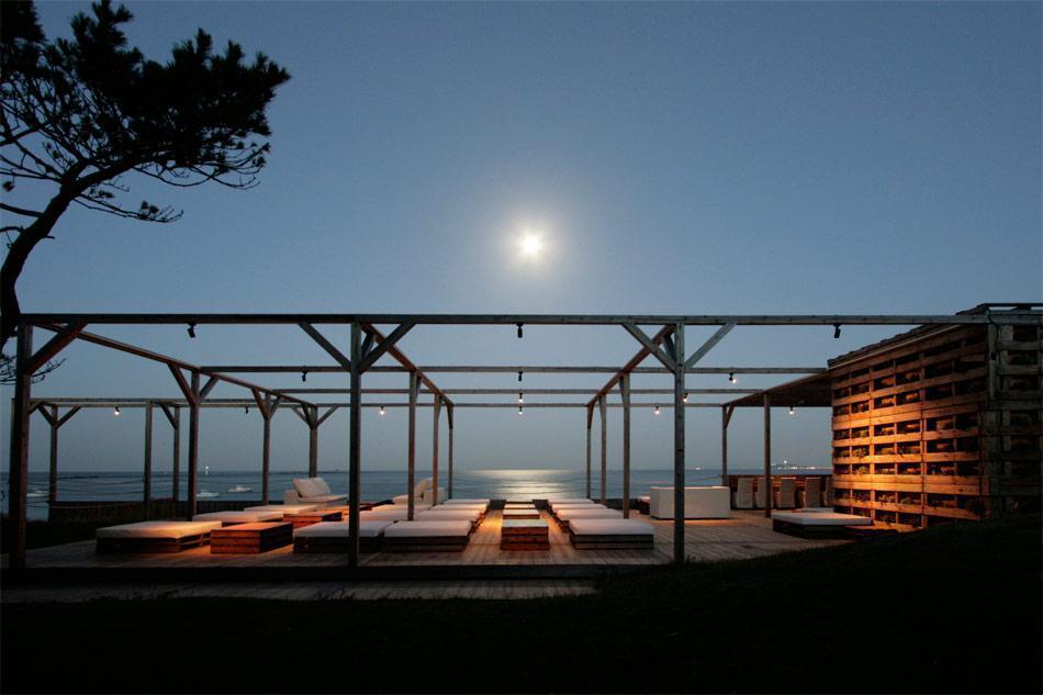 david-guarino-zillion-caban-beach-project-tokyo-designboomg04