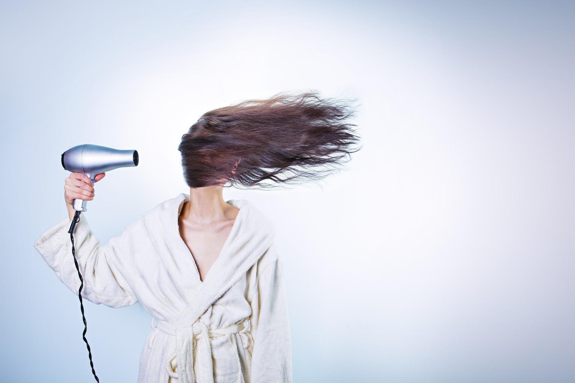 cabelos-com-oleo-de-ricino