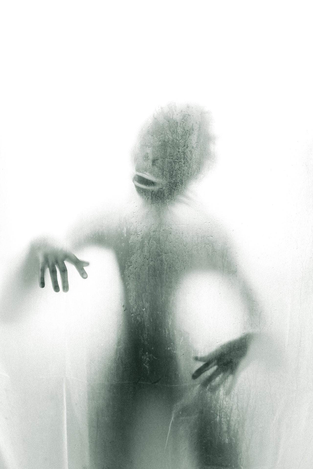 espíritos zombeteiros